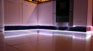 ruban led pour cuisine eclairage sous meuble haut cuisine eclairage led du0027une cuisine