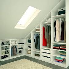 dressing chambre 12m2 dressing dans chambre meuble sous pente armoire ouverte dressing