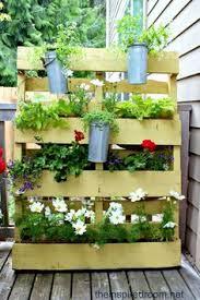 Diy Vertical Pallet Garden - 19 inspiring diy pallet planter ideas pallet herb gardens herbs