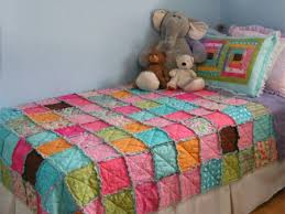 home dzine bedrooms how to make a patchwork quilt