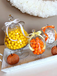 Halloween Candy Jars by Easy Halloween Party Decorations You Can Make For About 5 Diy