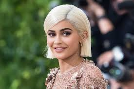 hair style giving birth kylie jenner excited to return to social media after giving birth