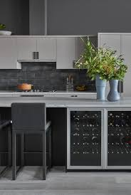 what color backsplash with gray cabinets 25 beautiful kitchens with backsplashes kitchen