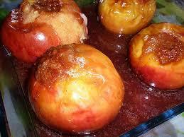 cuisiner le coing recette de pommes au four à la gelée de coing miel et spéculoos
