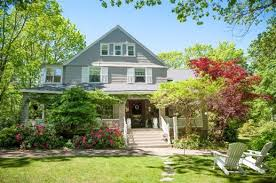Tipping At Bed And Breakfast Inn At Tanglewood Hall In York Harbor Maine B U0026b Rental