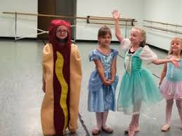 Hot Dog Girl Meme - little girl goes to princess day dressed as a hot dog