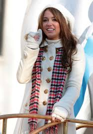 miley cyrus in the 2008 macy s thanksgiving day parade zimbio