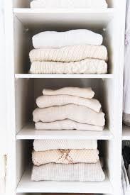 kleiderschrank braun die besten 20 offener kleiderschrank ideen auf pinterest