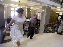courthouse weddings judge ends courthouse weddings after same ruling