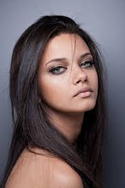 dark hair with grey models i don t know who this model is but she lookslike a pperfect 50 50