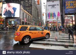 Ford Escape Yellow - ford escape hybrid suv new york yellow taxi cab on crossing times