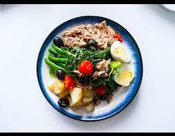 restaurant cuisine nicoise nicoise salad vine restaurant accra mystery diner