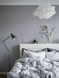 peinture gris perle chambre peinture gris perle chambre 4 avec luminaire boule en papier lzzy co