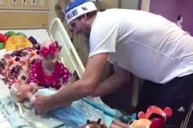 dirk nowitzki wedding photos dirk nowitzki visits children u0027s hospital for christmas people com