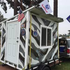 spite house boston meet the la man who has built dozens of tiny houses for homeless