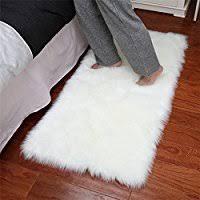 tappeti di pelliccia it pelliccia scendiletto tappeti e tappetini casa e