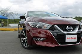nissan maxima vs porsche 9 things nissan shows off with the 2016 maxima autoguide com news