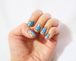 how to paint a bubble design on your nails with pictures