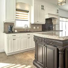 cuisine brun et blanc armoire de cuisine blanche cuisine aquipace pras table manger blanc