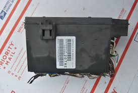 2007 dodge caliber 2 4l integrated power module fuse box