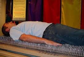 the proper way to make a bed lying on a bed of nails howstuffworks