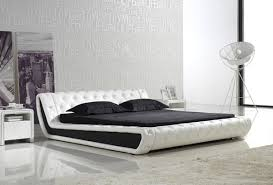 monza leather bed is a superlative blend of black and white