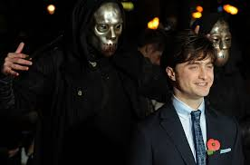 daniel radcliffe u0027s clever trick for evading paparazzi mental floss
