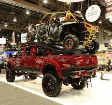 2014 las vegas truck show customized ford f 350 crew cab 4 4 wins bushwacker founder s award