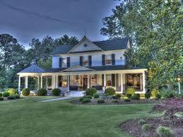 Modern Farmhouse Ranch Renovated 1800 U0027s Farm House In North Carolina Farm U0026 Ranch