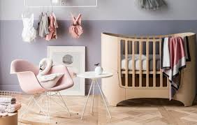 table chaise fille chambre bébé fille 50 idées de déco et aménagement