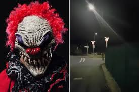 top creepy clowns birthday party anyone horror the reasons are so scared of clowns there s quite a few of
