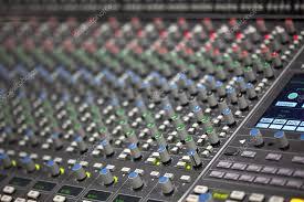 bureau d enregistrement bureau de mélangeur de grande musique en studio d enregistrement
