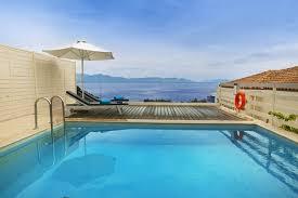 chambre avec piscine priv villa de quatre chambres avec piscine priv e et of piscine
