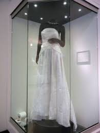 display wedding dress bridal armoire wedding gown display wedding displays
