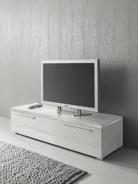 tv lowboard design uncategorized geräumiges tv mobel weis hangend casado varianto