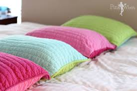 Pillow Designs by Colorful Bedroom Pillows