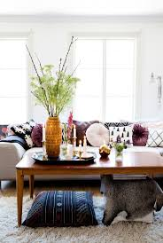 Living Room Table Decor by Best 20 Mismatched Sofas Ideas On Pinterest Living Spaces Rugs