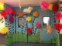 classroom dr seuss door hallway decoration classroom crafts