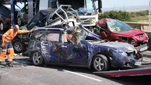 huge chain reaction crash in uk involves at least 100 vehicles