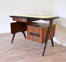 Small Vintage Desk Small Italian Vintage Desk 1950s For Sale At Pamono