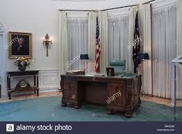 Oval Office Desk Replica Of Oval Office Desk During Lbj S Term At Lyndon B Johnson