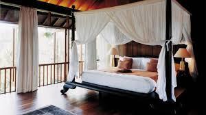 chambre lit baldaquin des conseils en décoration maison et jardin le lit à baldaquin
