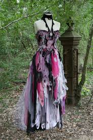 Halloween Wedding Card Best 25 Vampire Wedding Ideas On Pinterest Gothic Wedding Ideas