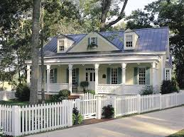 3 bedroom country house plans gulf coast cottage hwbdo13183 cottage from builderhouseplans com