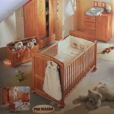 chambre bébé pin massif chambre bébé en pin massif marque bruin de chez en clasf