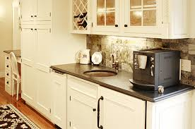 How To Choose The Right Hardware For Your Kitchen New Hampshire - Bronze kitchen cabinet hardware