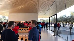 apple headquarters tour a brief tour of apple park u0027s new visitor center video 9to5mac