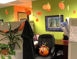 10 easy ways to decorate your office for halloween conversational