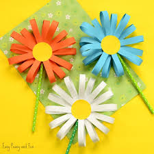 How To Make Easy Paper Flowers For Cards - best 25 flower crafts ideas on pinterest paper flowers for kids