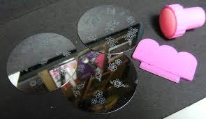deez nailz fingrs art nail stamping kit and a blobby mani